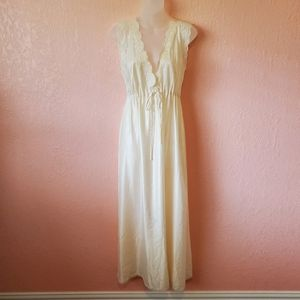 Vintage Christian Dior Lace Nightgown Robe Set